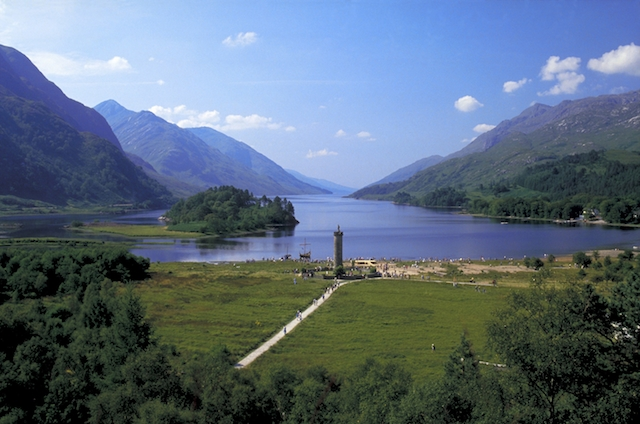Schottland Memorial and Loch Shiel